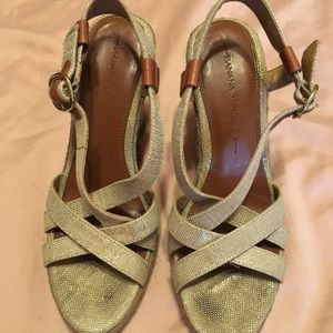 Banana Republic linen leather espadrilles wedge